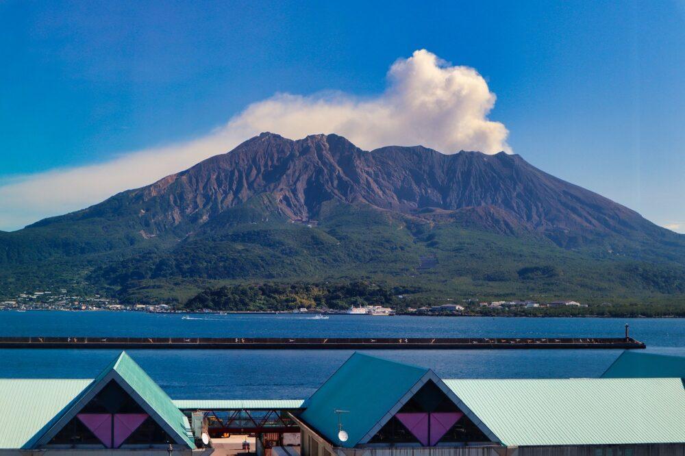 鹿児島水族館からの桜島