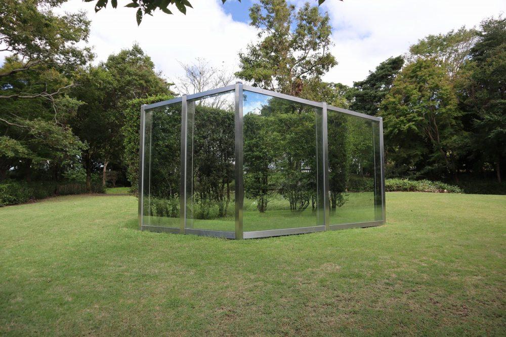 反射ガラス