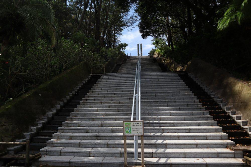 100段の階段