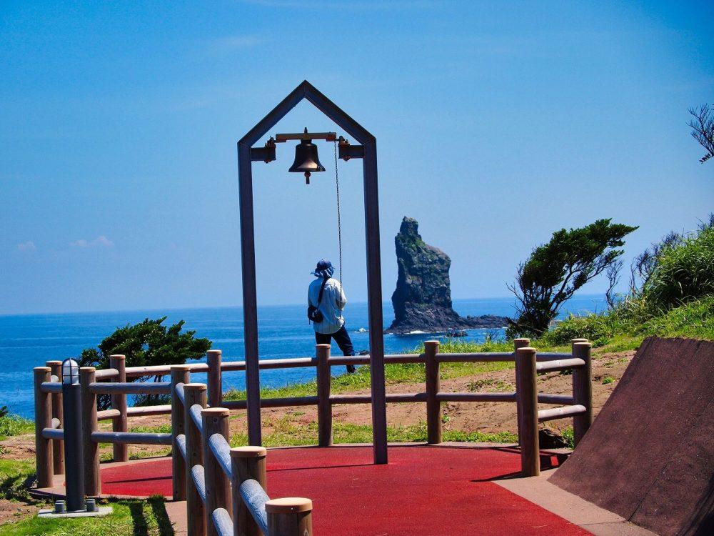 東シナ海と立神岩と鐘