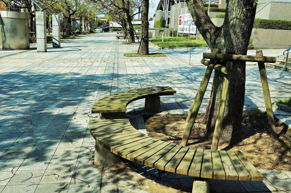 鹿児島県庁前ベンチ
