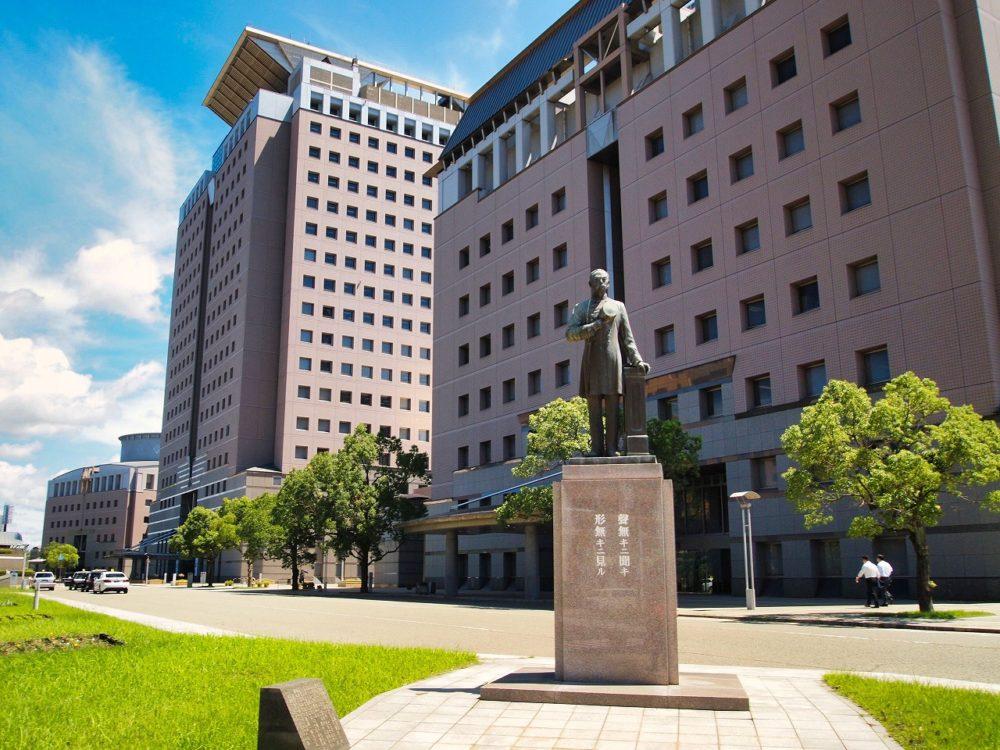 日本警察の父の川路利良像
