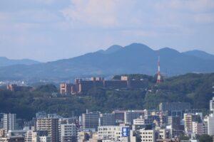 鹿児島県庁からの城山(ホテル)