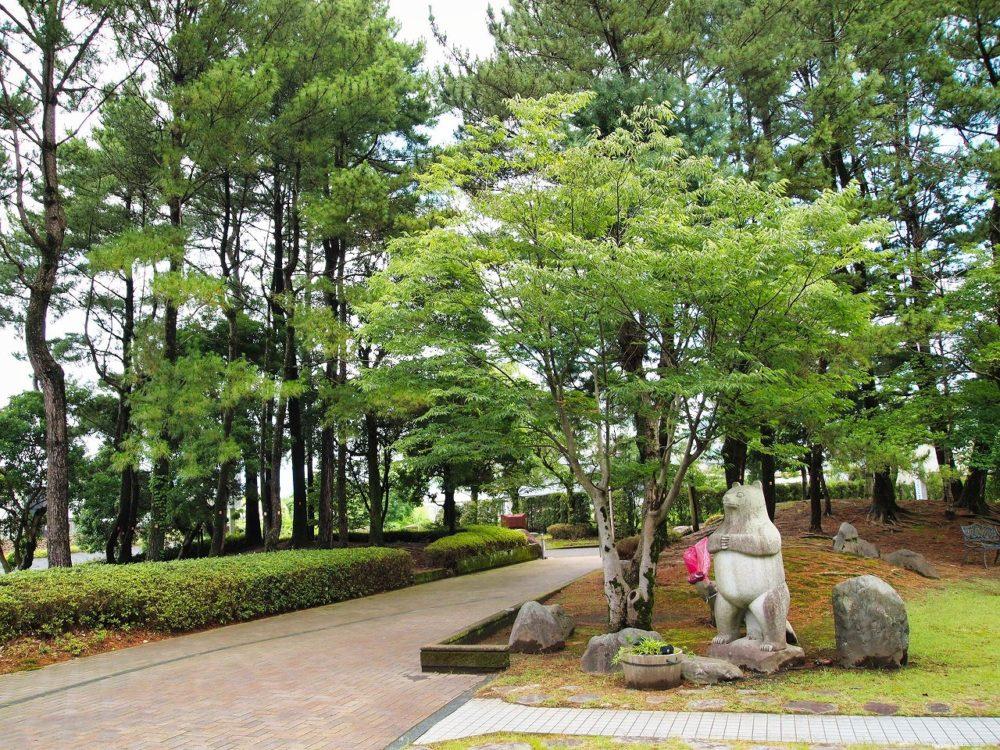 椋鳩十文学記念館の庭