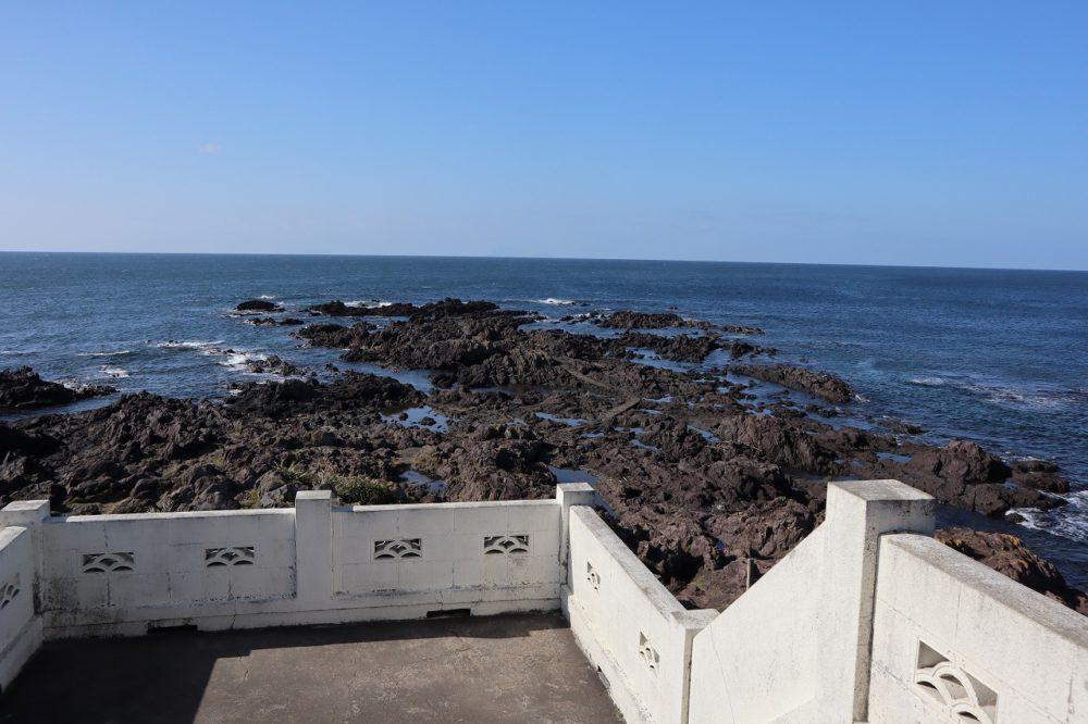 灯台の先(長崎鼻突端)