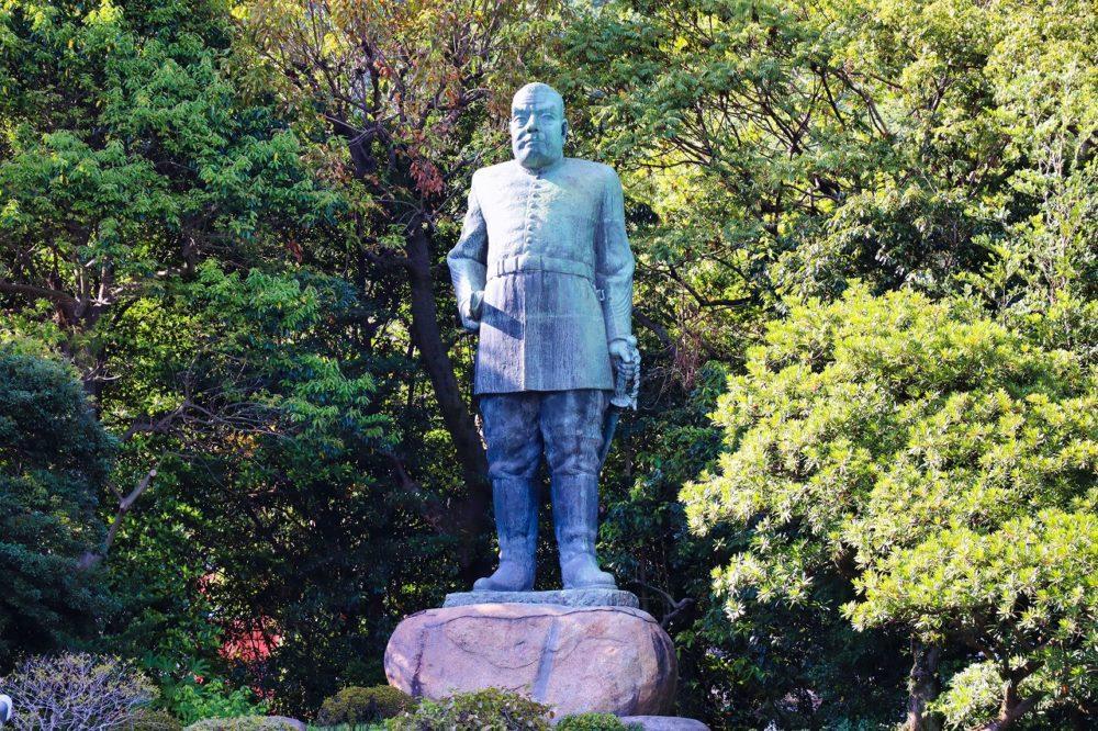 西郷隆盛銅像(中央公民館側からの撮影)