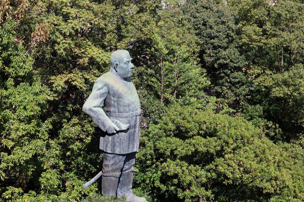西郷隆盛銅像横顔
