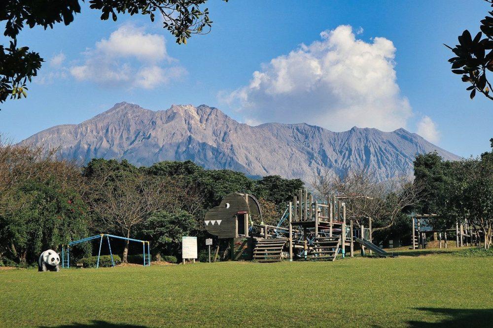 桜島自然恐竜公園からの桜島