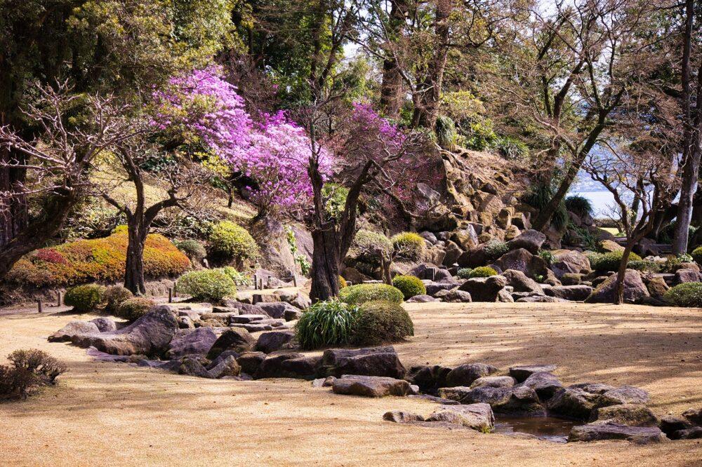 曲水の庭(春)