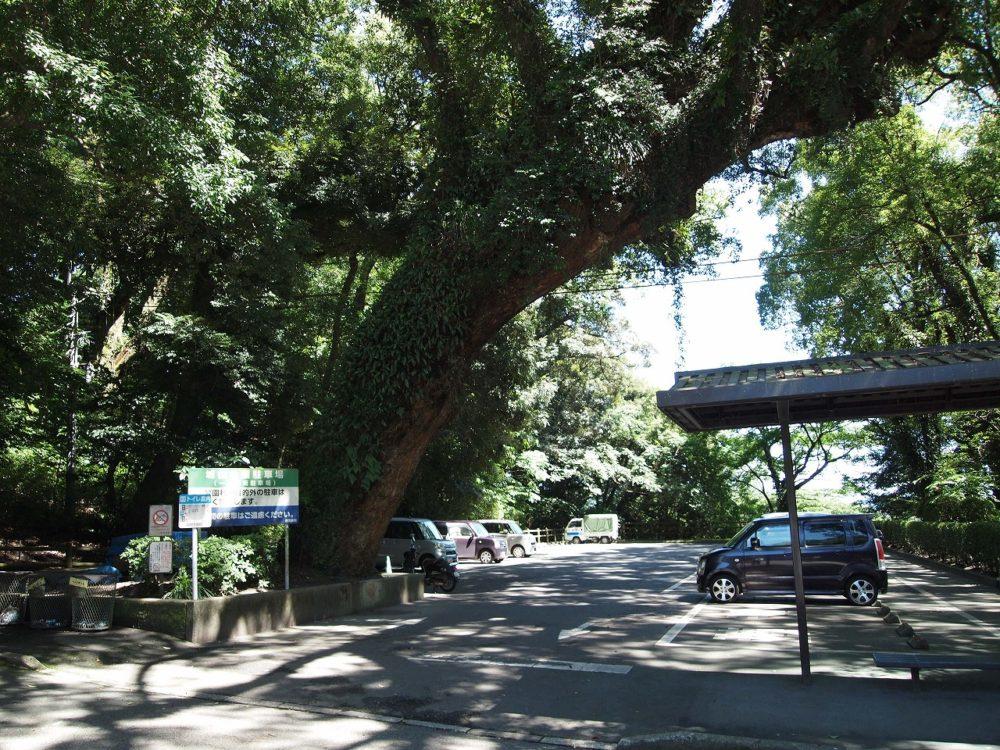 城山展望台の駐車場