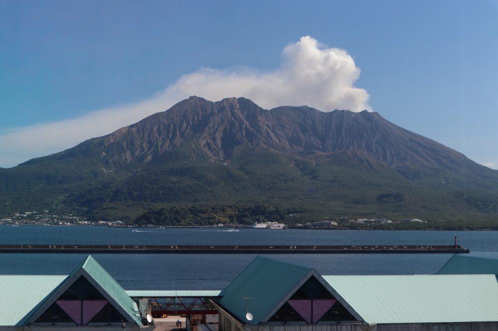 かごしま水族館からの桜島